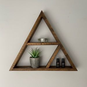 Triangle wooden display shelf